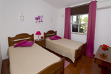 Twin beds at Rocha Brava